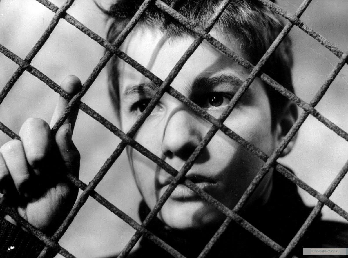 «Четыреста ударов» - «Les quatre cents coups»  (Франсуа Трюффо, 1959) - Жан-Пьер Лео - фильм (фото, кадр)