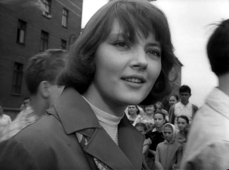 «Застава Ильича» - «Мне двадцать лет» (реж. Марлен Хуциев, 1964) - Марианна Вертинская - фильм (фото, кадр)