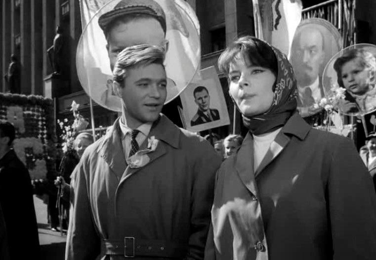 «Застава Ильича» - «Мне двадцать лет» (реж. Марлен Хуциев, 1964) - в гл.р. Валентин Попов, Марианна Вертинская - фильм (фото, кадр)