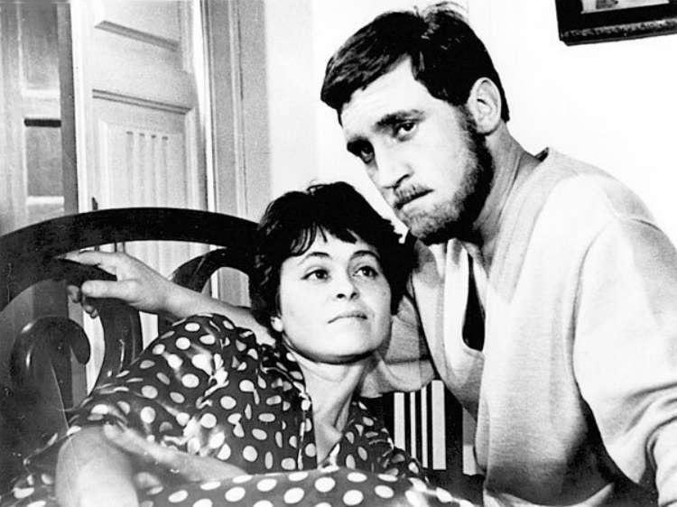 «Короткие встречи» (1967) - Кира Муратова и Владимир Высоцкий - фильм (фото, кадр)
