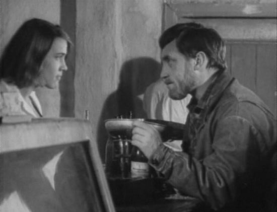 «Короткие встречи» (реж. Кира Муратова, 1967) - Нина Русланова, Владимир Высоцкий - фильм (фото, кадр)